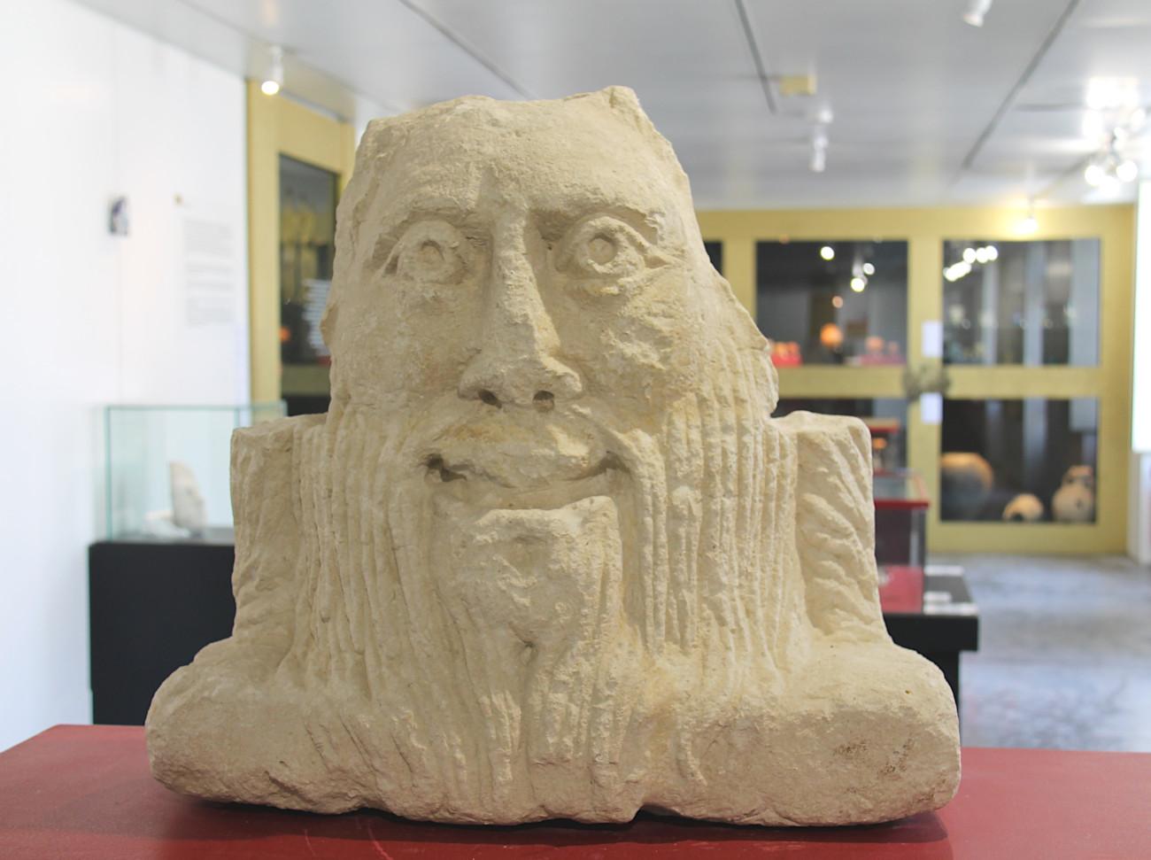 statue du musée archéologique de Saintes
